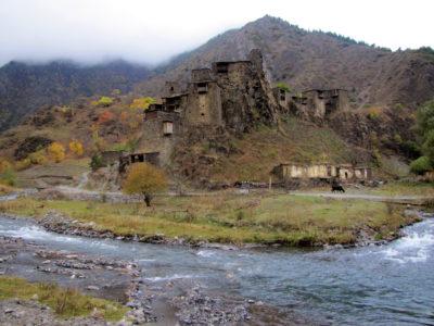 Le village fortifié de Chatili.